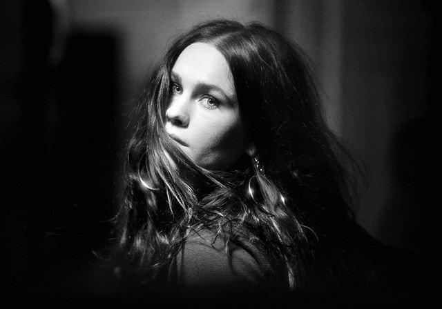 Ida Jenshus gjorde suksess med skiva «No Guarantees» i fjor. I år blir hun å se på Øya, i likhed med Sandra Kolstad.