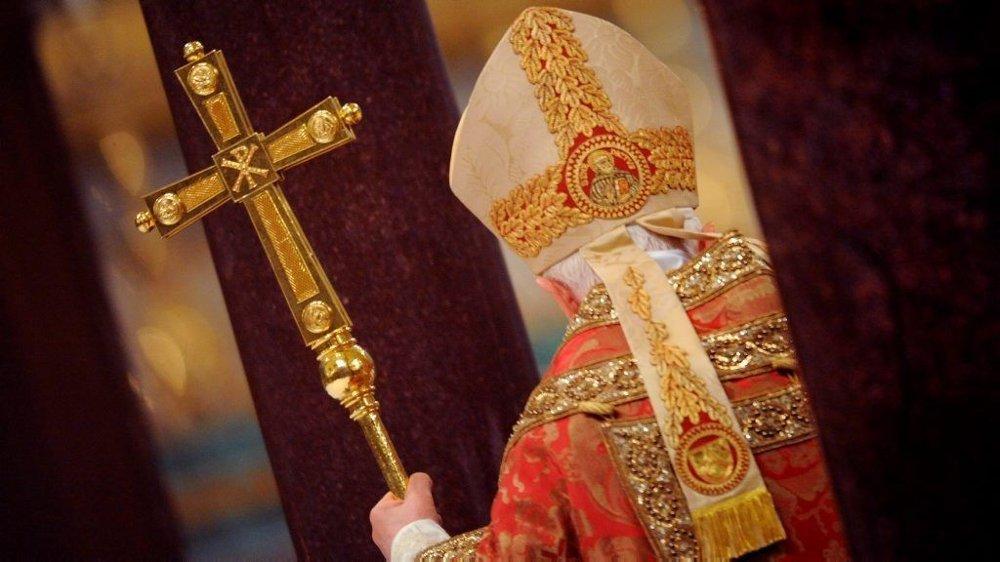 Pave Benedikt 16. har vært snill gutt, så vidt vi vet. I gamle, gamle dager var mange av pavene derimot noen skikkelige slasker.