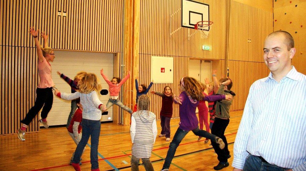 FAU-leder Petter J. Karal ved Tåsen skole mener både idrett og kultur må få plass i Tåsenhallen. Foto: Kristin Tufte Haga