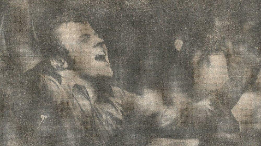 Jubler etter opprykk til 2. divisjon med Lillestrøm i 1973.