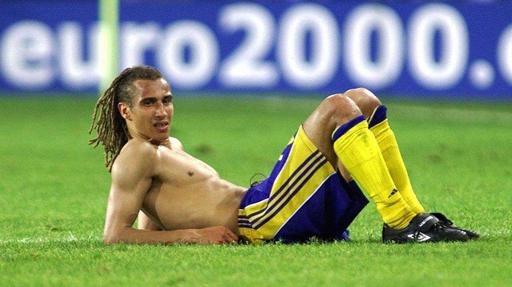 KAN GJØRE COMEBACK: Henke Larsson, her fra deltakelsen med Sverige i EM i 2000.