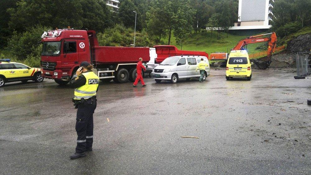 En kvinne ble rygget på av en lastebil i Vilhelm Bjerknes' vei mandag.
