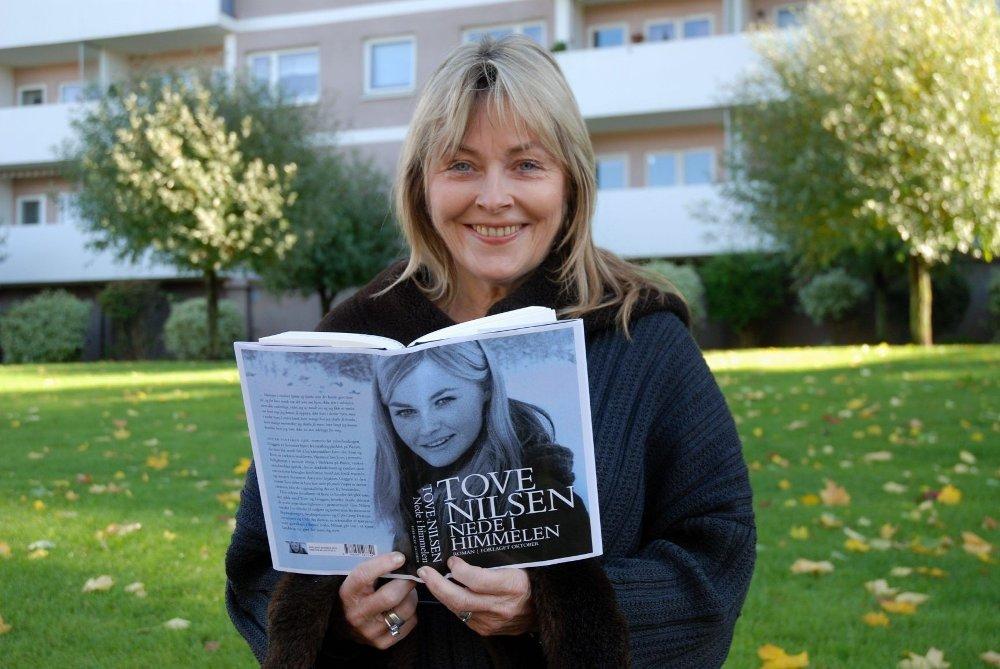 PRIS: Tove Nilsen har fått tildelt Amalie Skram-prisen for sitt forfatterskap.