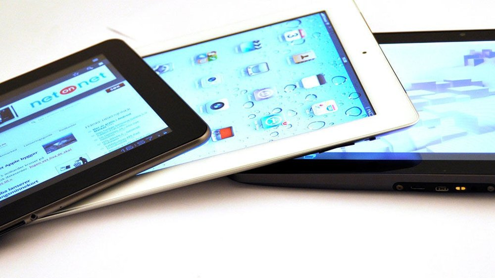 Fra venstre; Samsung Galaxy Tab 10.1, Apple iPad 2 og Motorola Xoom.