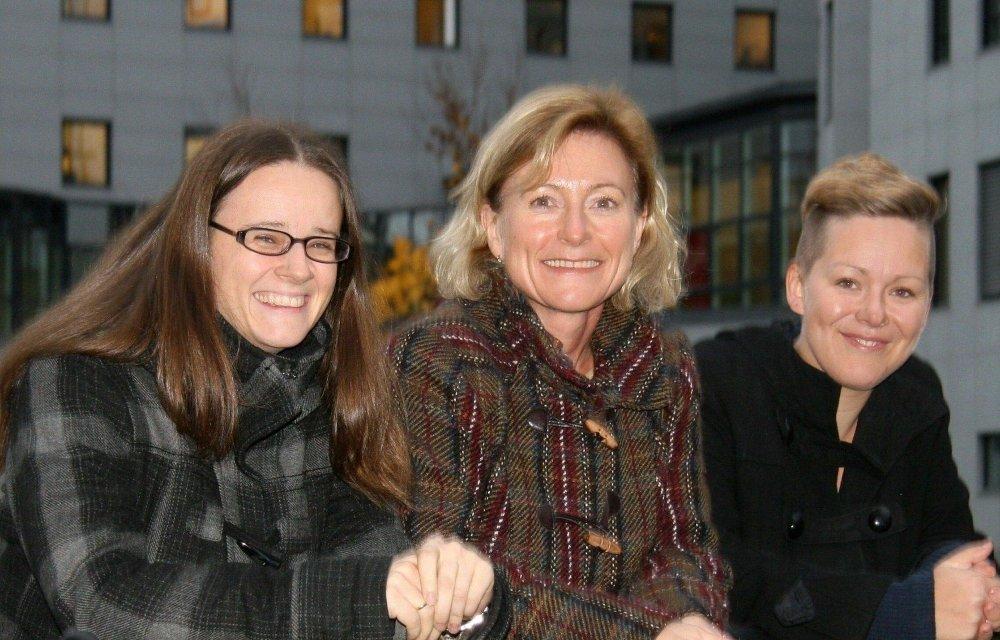 FELLESSAK:I november samlet fra venstre Unni Færøvik fra NAMK (Nordre Aker Musikk og Kulturutvalg), May-Brith Døssland (V) og Eline Moe Melgalvis - daglig leder Oslo Musikkråd seg om å få kulturstasjon innlemmet i skoleplanene for Nydalen.