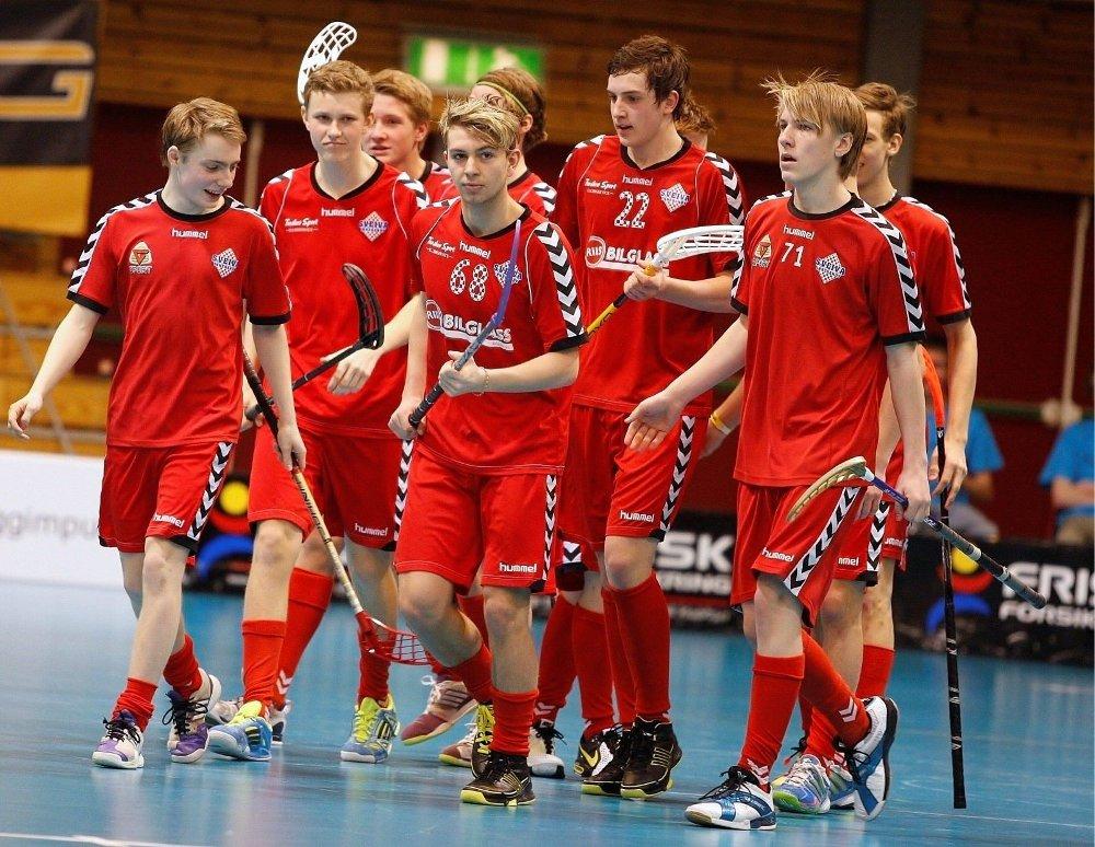 SVEIVA-JUBEL: Hurtigtoget Andreas Valbye har akkurat sendt Sveiva opp i ledelsen i lørdagens G17-finale mot Sarpsborg. Foto: Anders Halvorsen