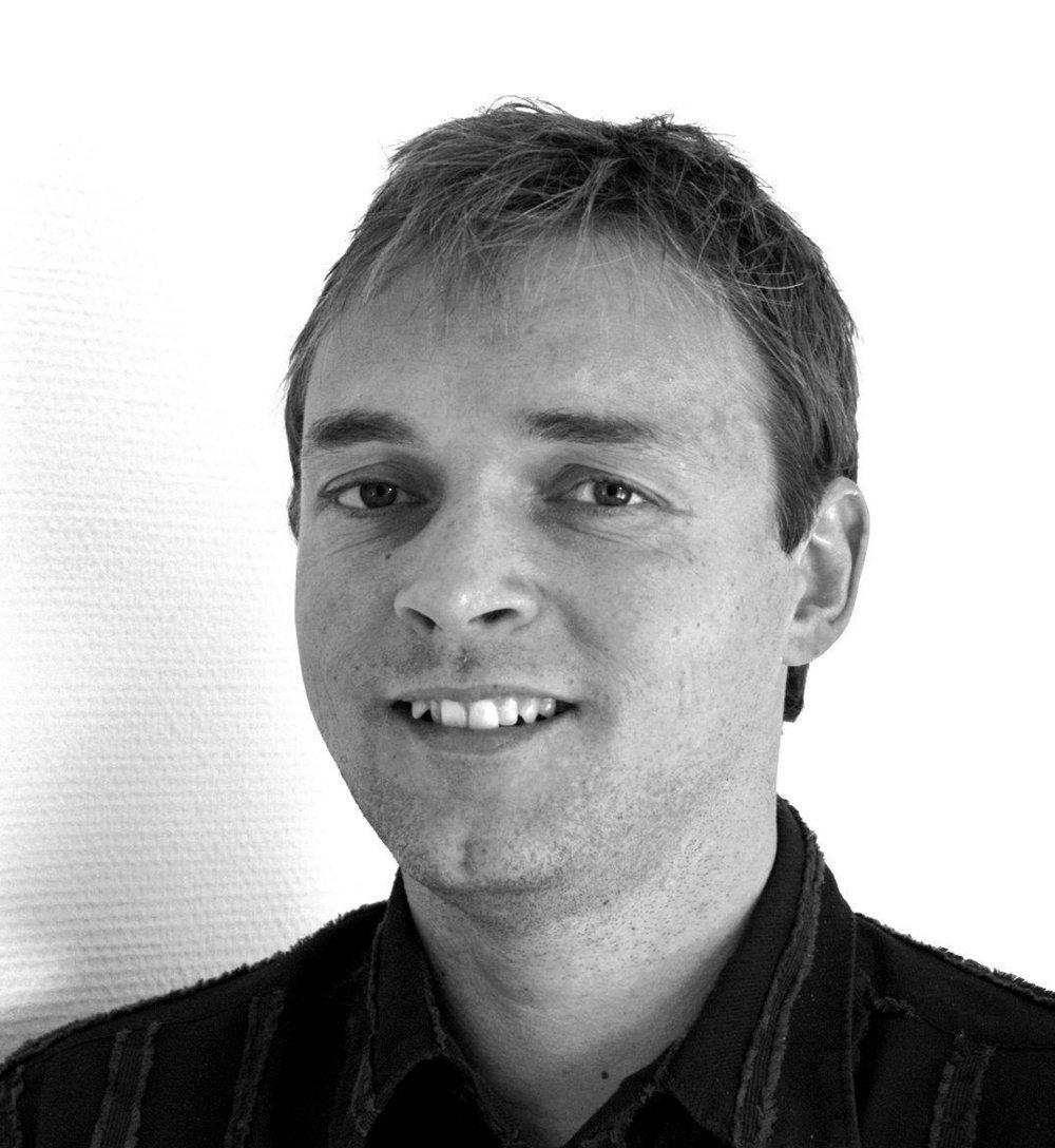 Fredrik Eckhoff sier ja takk til John Carew til Vålerenga.