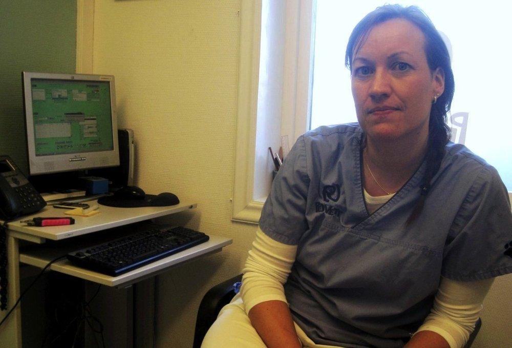 Camilla Krogsrud hos PetVett anbefaler folk å sjekke finn.no om man savner katten sin.