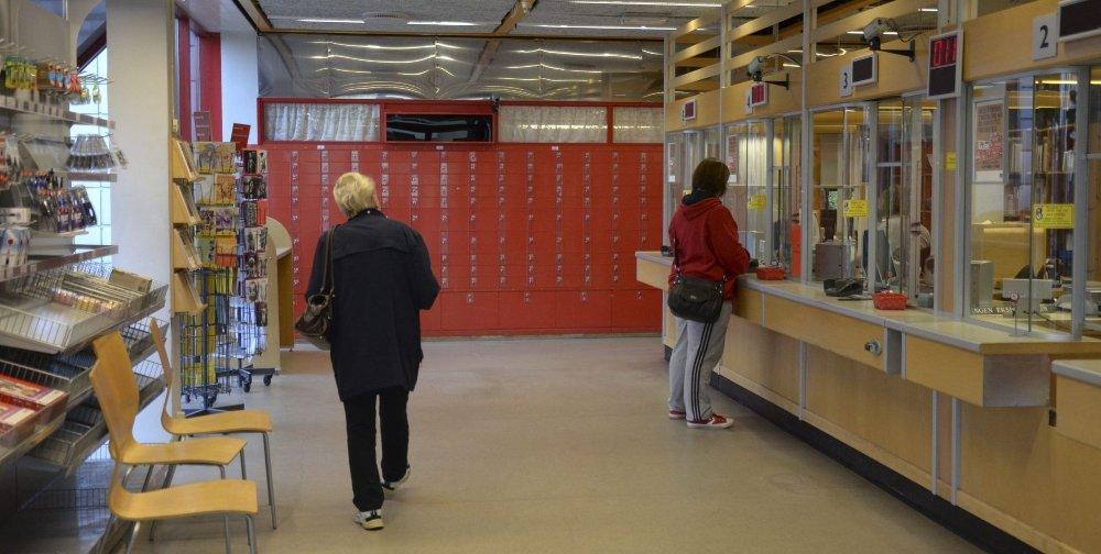 LUKKER DØRENE: Mandag 21. oktober klokken 12 stenges dørene på Oppsal postkontor. Alle foto: Nina Schyberg Olsen