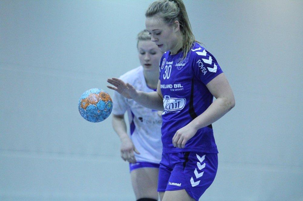 BEST IGJEN: 16-åringen Frida Nåmo Rønning måtte nok en gang dra det tyngste lasset på Oppsals lag.