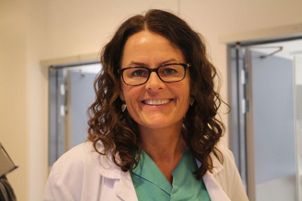 Leder for anestesilegene på Ullevål sykehus, Anne Bøen, mener det nye akuttmottaket vil gi et bedre tilbud til de kritisk skadde.
