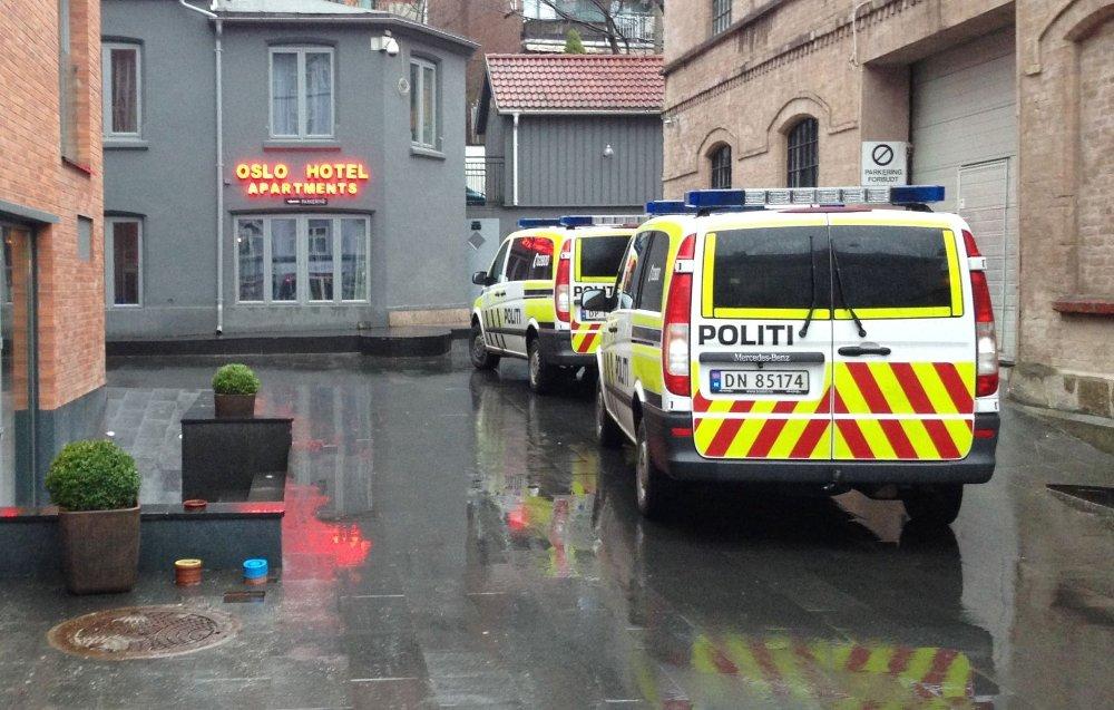 Politiet rykket ut med flere enheter til slåsskampen på Tøyen onsdag morgen.