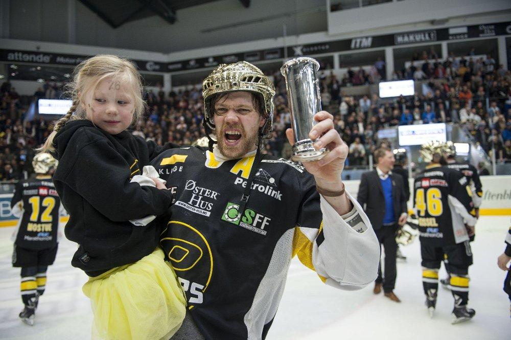 VRAKET: Martin Strandfeldt er ferdig i Stavanger Oilers.