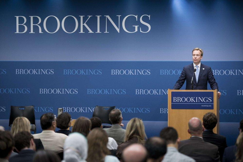 KJØPER INNFLYTELSE: I juni holdt utenriksminister Børge Brende en tale under et besøk ved Brookings Institution, hvor han uttalte at forholdet mellom Norge og tenketanken har vært nyttig for begge parter.
