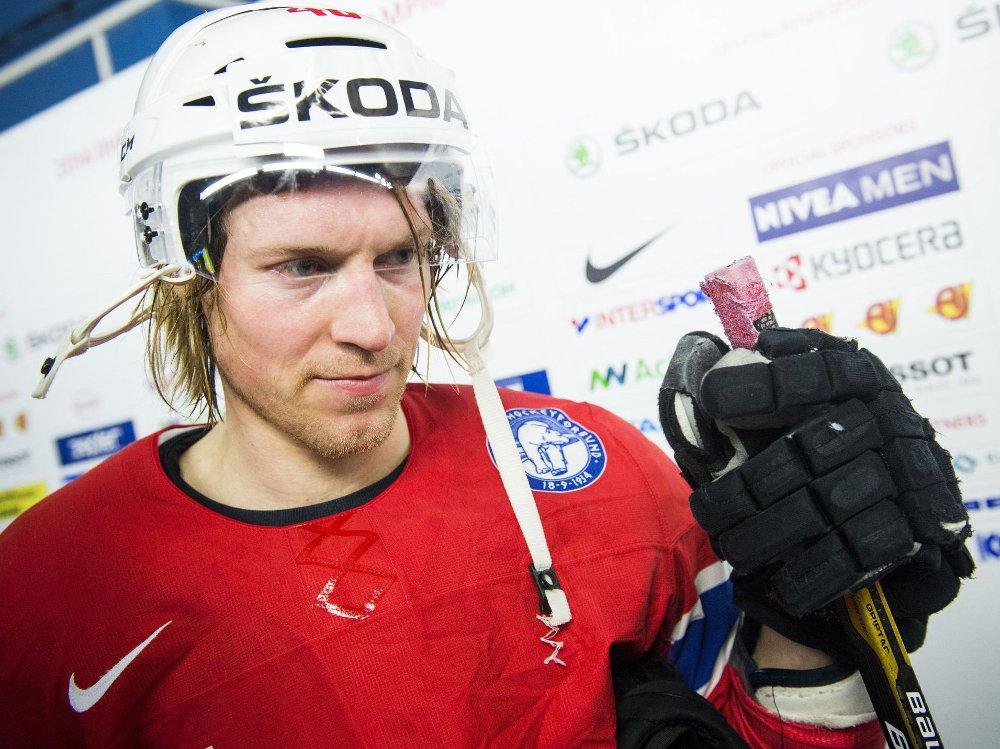 SLÅTT NED: Mathis Olimb. Her etter VM-kampen for Norge mot Slovakia tidligere i år.