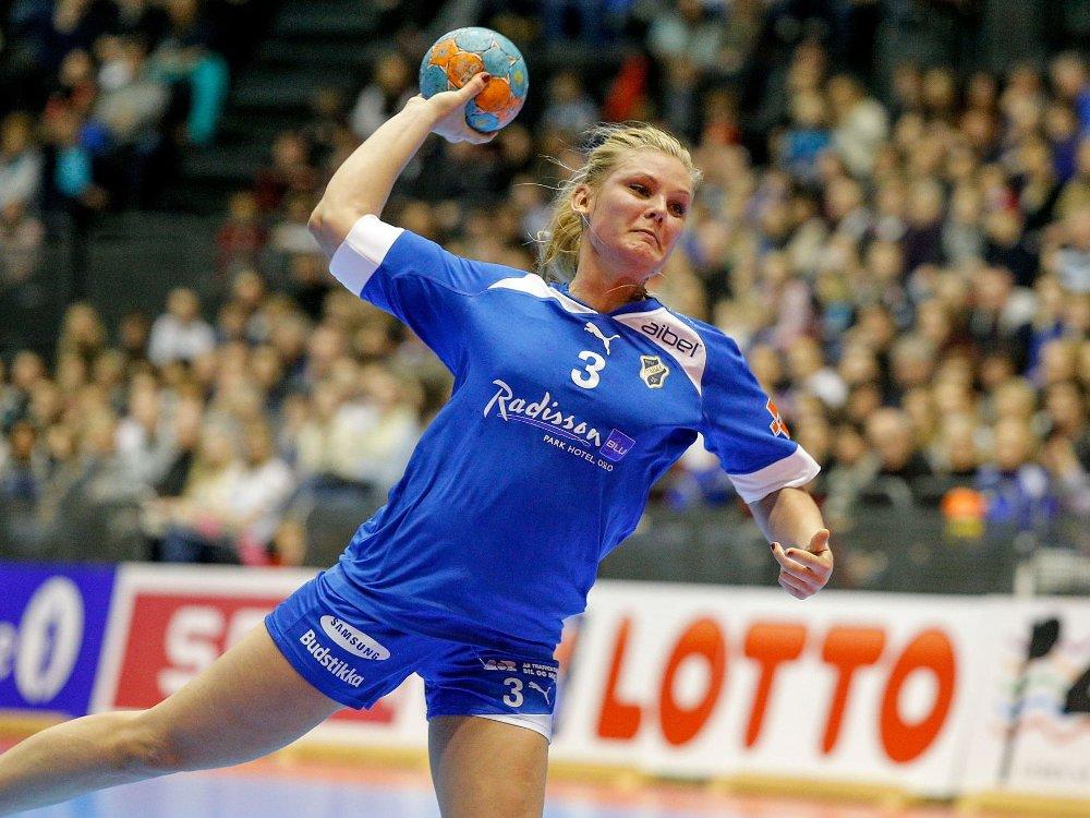 FULL FORVIRRING: Karoline Næss og Stabæk vant ifølge måltavla og dommerne, men det godtar ikke motstander Nordstrand.