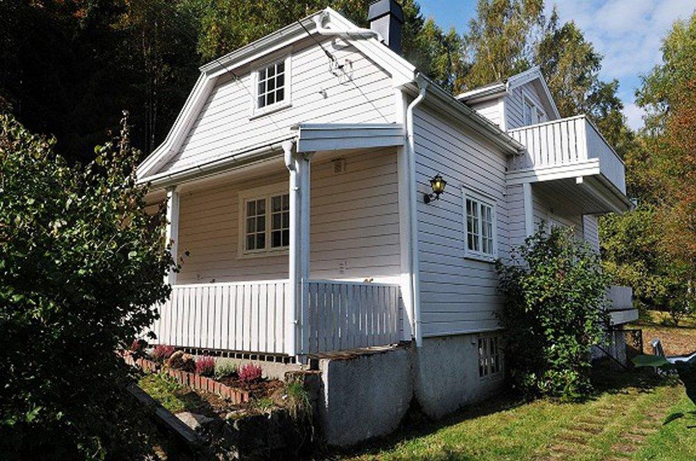 KAN BLI DITT: For kun 250.000 kroner kan dette hsuet og denne eiendommen bli din.