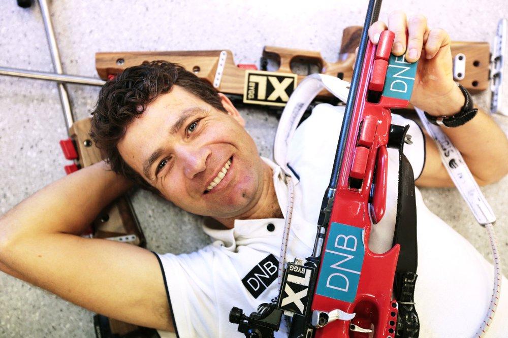 TØFF KAMP: Ole Einar Bjørndalen føler sge ikke trygg på å få gå alle verdenscuprennene i vinter.