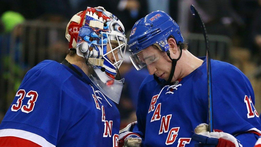 MATCHVINNERE: Cam Talbot (t.v) og Kevin Hayes ble matchvinnere i hver sin ende av banen da Rangers tok to poeng i natt. FOTO: NTB scanpix