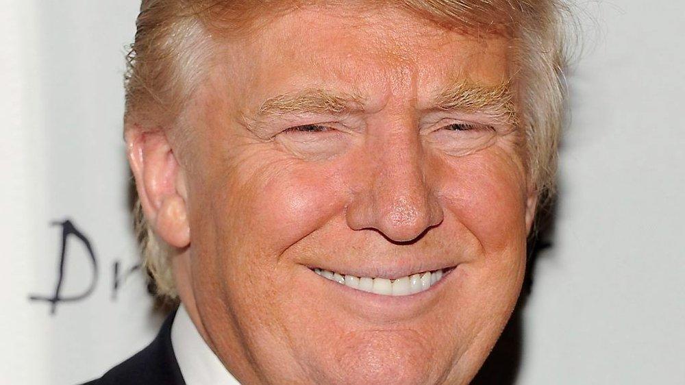 HYLLET NORSK KVINNE: Donald Trump hyllet norsk milliardær-enke som ga bort 300 millioner kroner.