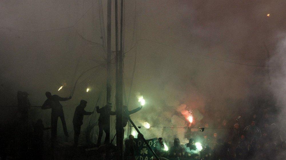 Oppgjøret mellom Panathinaikos og Olympiakos ble preget av andre ting enn fotball.