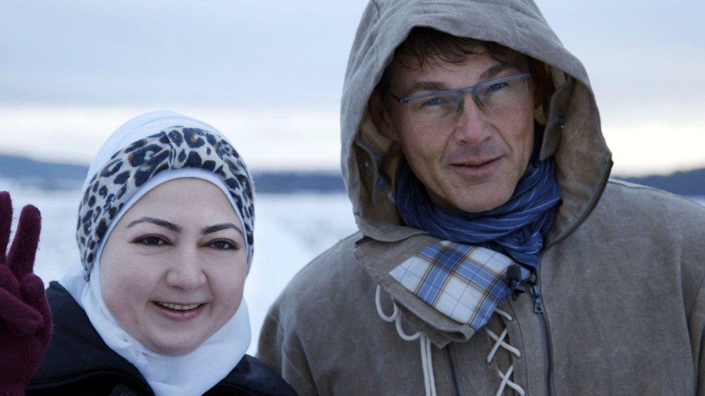 I SVERIGE: Morten Harket møtte den syriske flyktningen Raghad Kanawati under innspillingen av dokumentaren Hemland, der hun forteller hvor mye Hunting High and Low har betydd for henne - som en bro mellom fortid og nåtid.