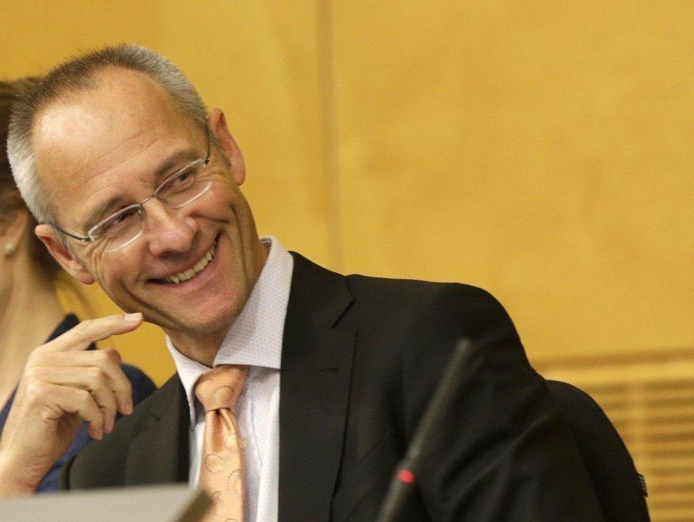 NHH-professor Guttorm Schjelderup forklarer de strenge lånebetingelsene med høy risiko. Her på et møte i 2014 som medlem av skatteutvalget. (Scheel-utvalget).