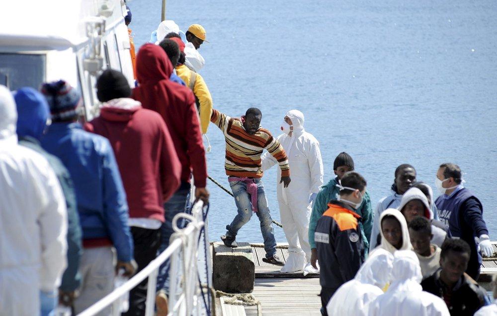 I Hellas er antallet flyktninger som ankommer landet med båt mer enn tredoblet i løpet av årets første tre måneder.