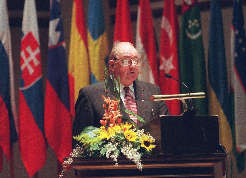 Alv Jakob Fostervoll var forsvarsminister i to av Trygve Brattelis regjeringer på 1970-tallet og innvalgt på Stortinget i to perioder fra 1969.