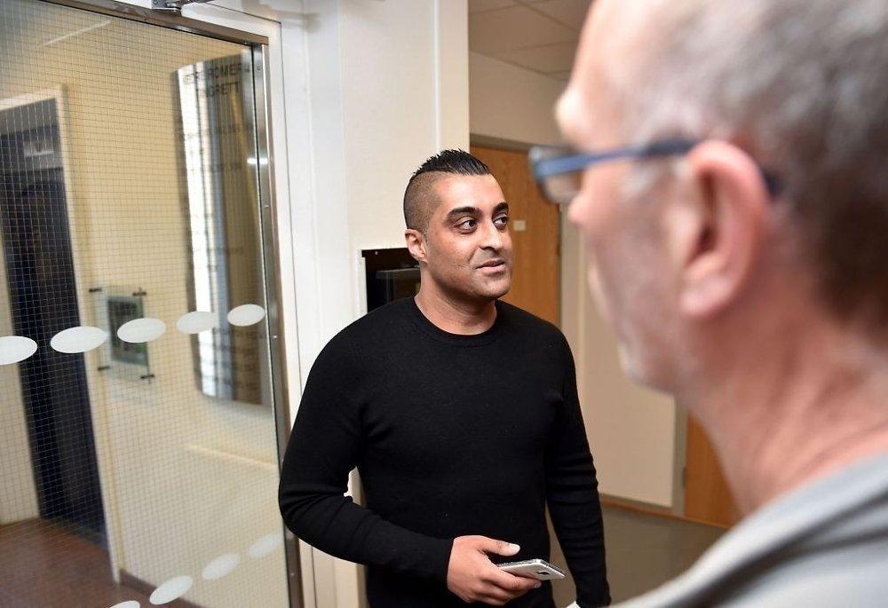 Bostyrer for Sharifs selskaper som ble slått konkurs i midten av mai, mener Sharif har tappet selskapene for totalt 7 millioner kroner. Han varsler at han vurderer å slå Sharif personlig konkurs hvis han ikke betaler tilbake beløpet innen 23. juni.