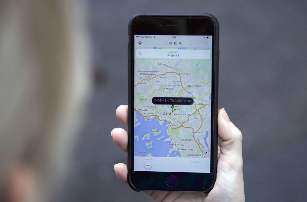 Politiet mener at Uber er en pirattjeneste og varsler derfor at Uber-sjåførene kan vente seg reaksjoner.