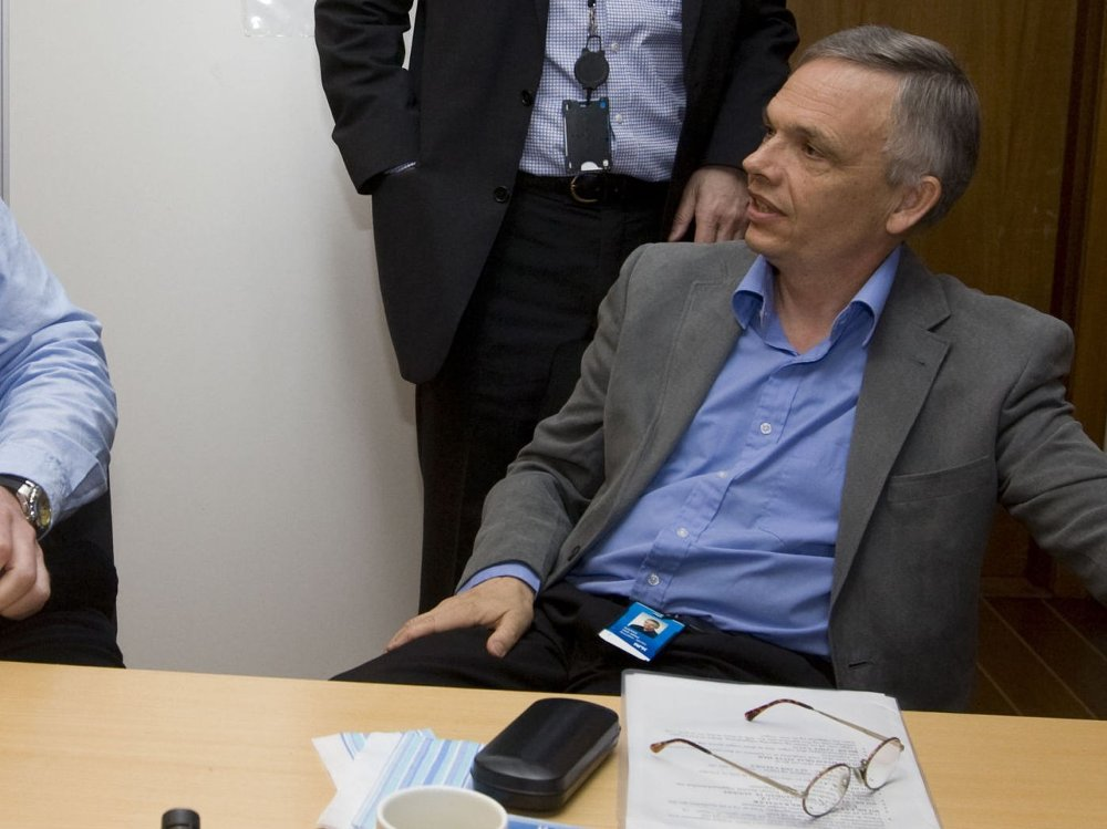 Per-Arne Bjerke har vært sentral i alle NRKs valgsendinger de siste årene. Dette bildet er tatt under planleggingen av dekningen av stortingsvalget i 2009.