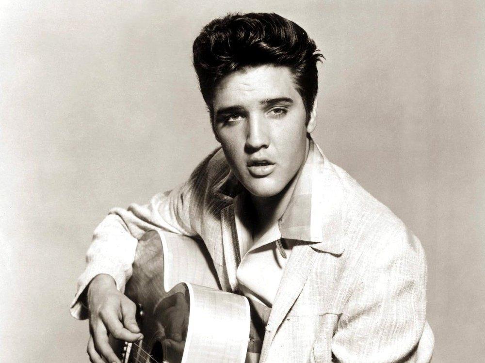 KONGEN: Elvis er fremdeles umåtelig populær. En auksjon fredag brakte inn åtte millioner kroner.