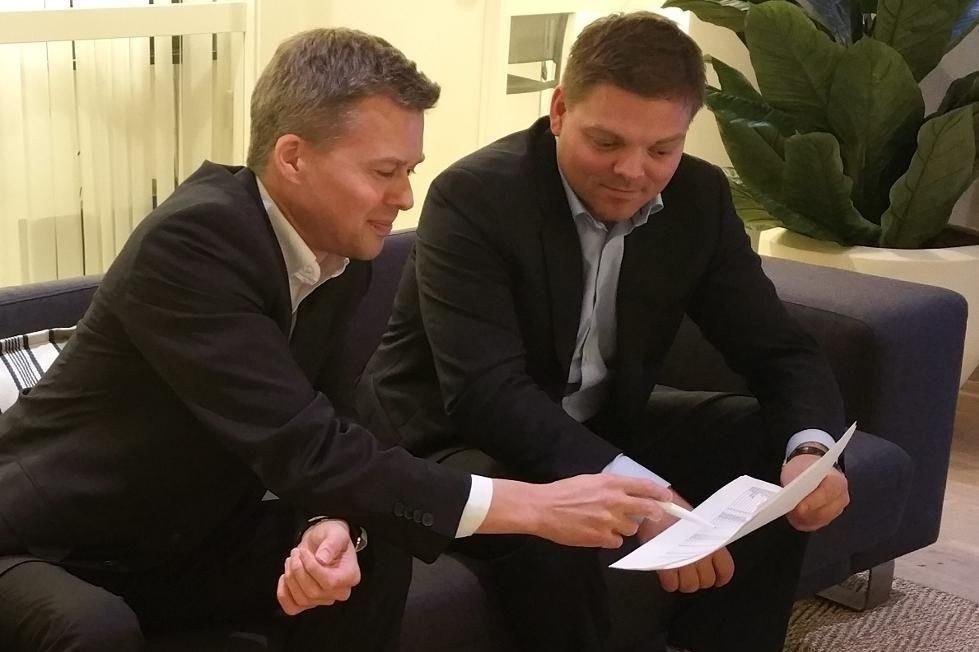 Ole Tobias Kjølleberg (t.v.) og Øystein Helle står bak det uvanlige oppkjøpsforsøket.