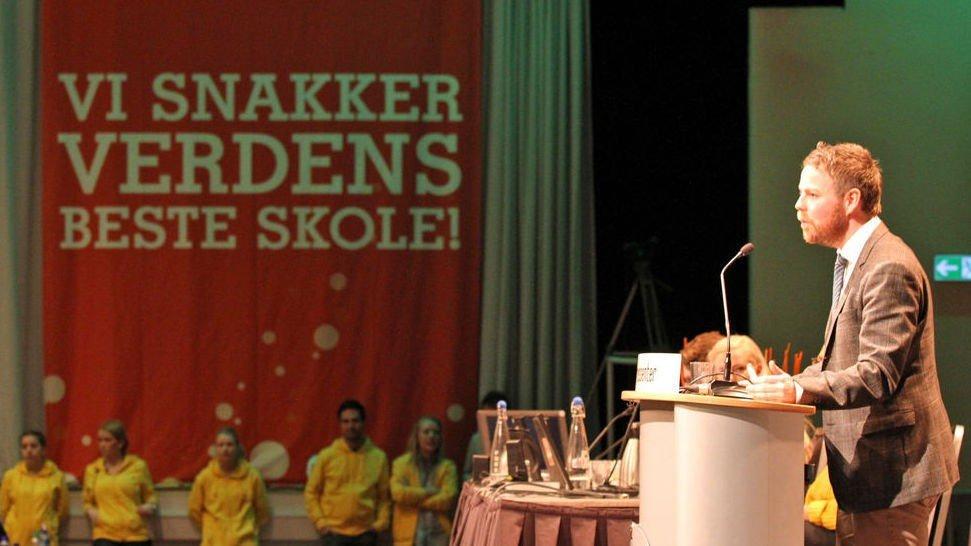 Kunnskapsminister Torbjørn Røe Isaksen bør se mer til Oslo-skolen for å finne metoder som virker.