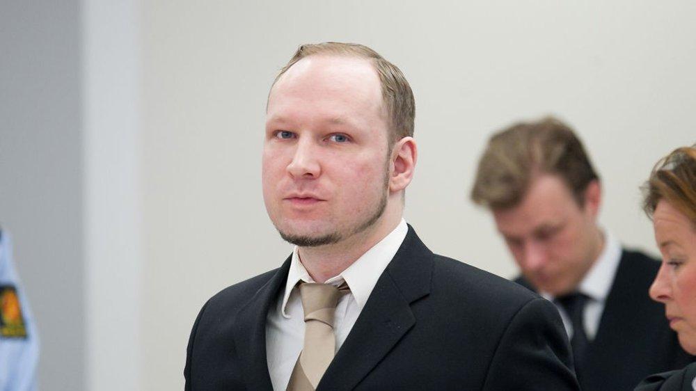 VIL SULTESTREIKE: Terrordømte Anders Behring Breivik klager i et brev over tøffere soningsforhold. Han truer nå med å sultestreike til han dør fordi han ikke orker soningsforholdene han er underlagt.