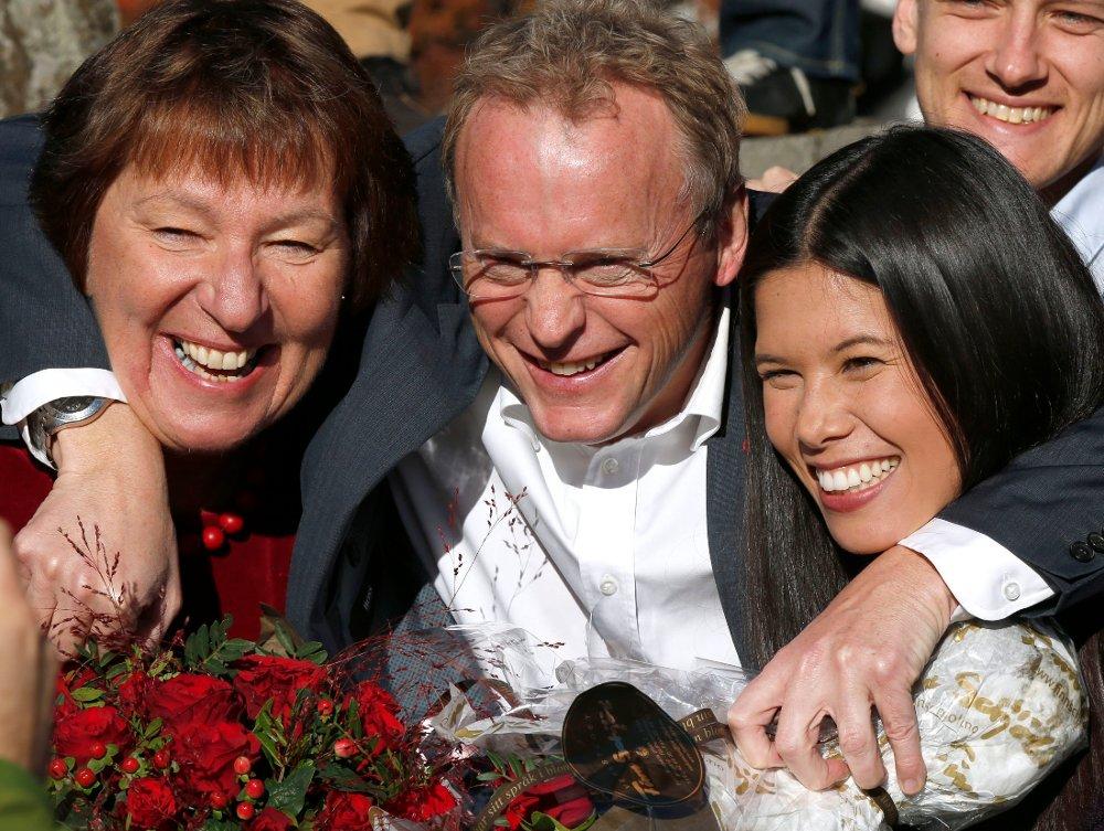 Marianne Borgen (SV), Raymond Johansen (Ap) og Lan Marie Nguyen Berg (MDG) la frem byrådserklæringen tidligere på mandagen. Der ble det kjent at Oslo sentrum skal bli bilfritt.