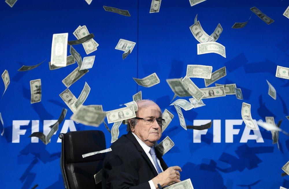 LIDER AV STRESS: Sepp Blatter, suspendert president i FIFA, er under behandling for stress.