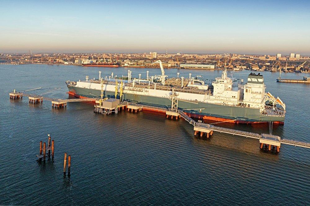 Höegh LNGs flytende LNG importterminal (FSRU) Independence i Klaipeda, Litauen.