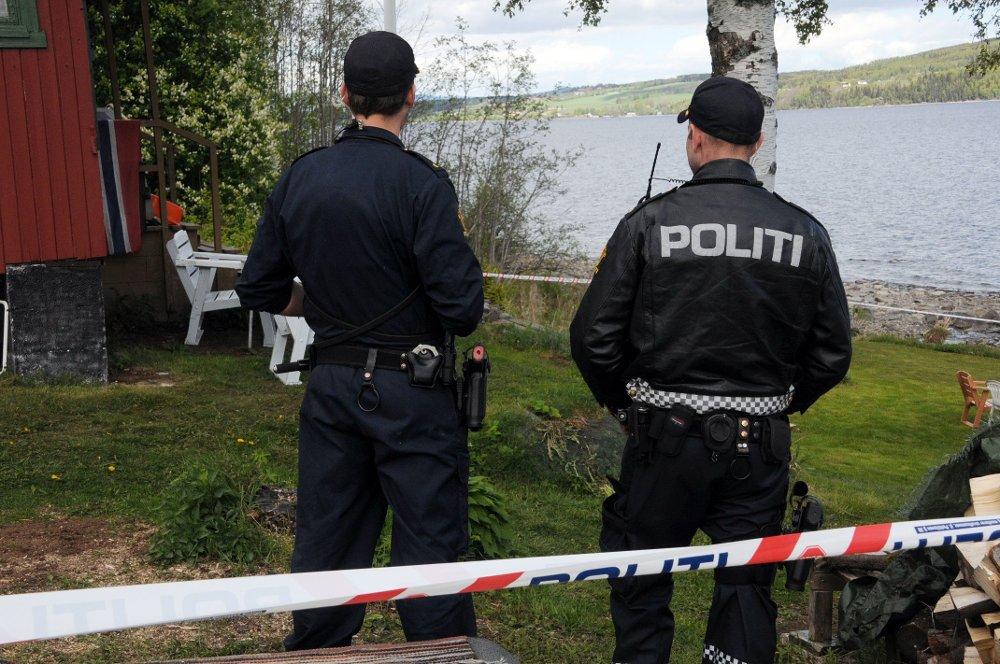 Mannen i 50-årene ble funnet død i et hytteområde på Gjøvik.