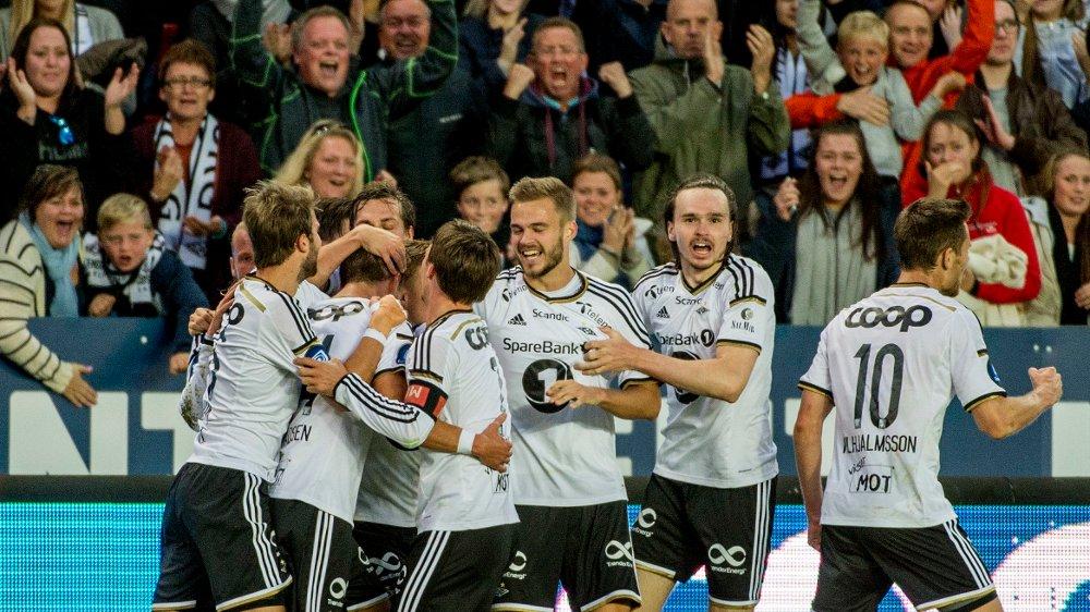 Nå starter forhandlingene om hvem som skal få vise Rosenborg og de andre Tippeliga-lagene fra 2017.