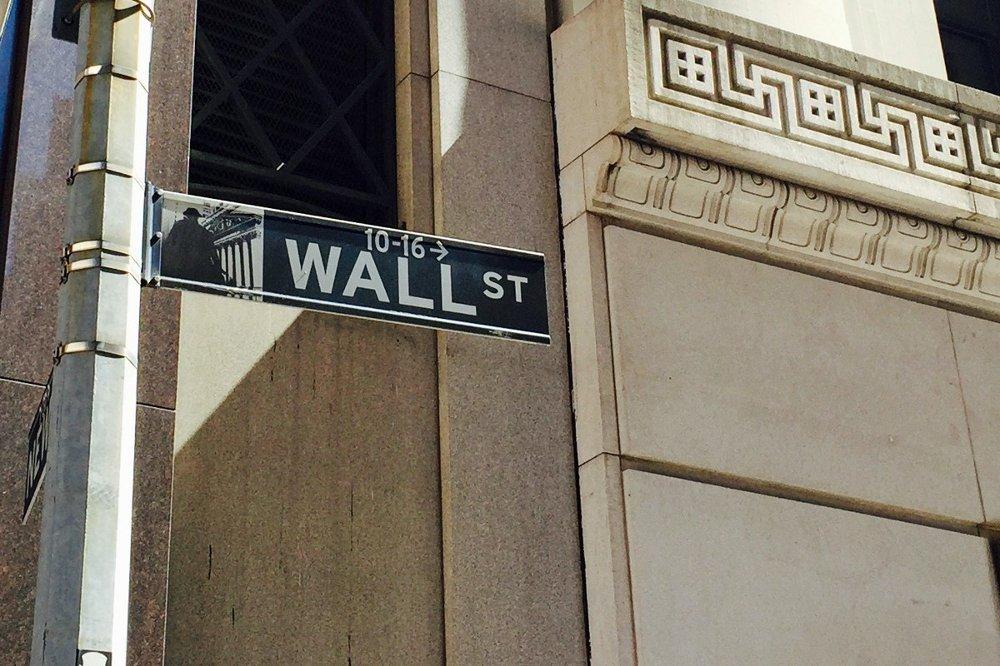 FINANSSENTRUM: Amerikanske børser sikter mot oppgang tirsdag, mens investorene venter på nye viktige nøkkeltall.