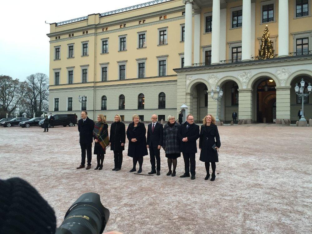 Etter to år uten endringer, stokker statsminister Erna Solberg (H) kortene og legger en ny regjeringskabal.