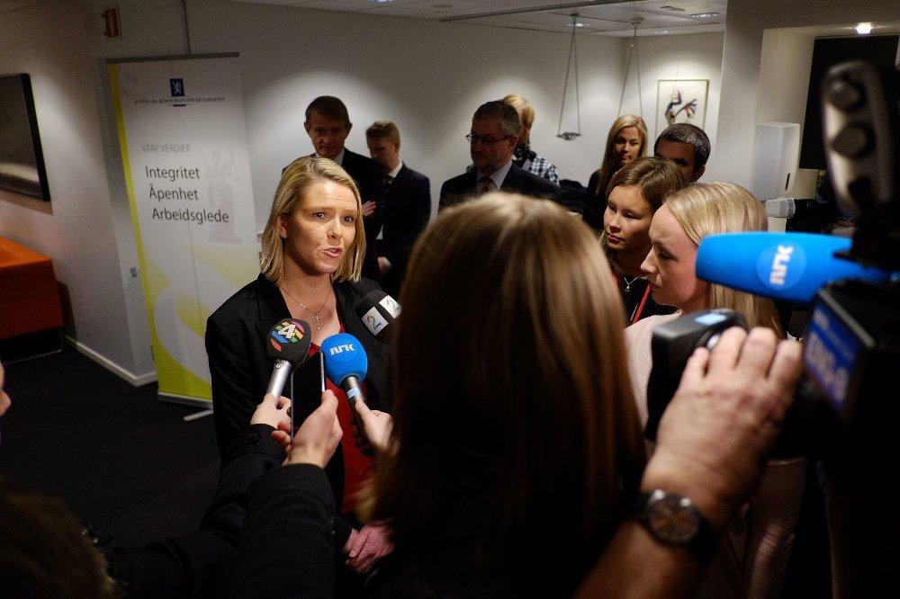 Sylvi Listhaug (Frp) sa takk og farvel i Landbruks- og matdepartementet onsdag. Ny tar hun over ansvaret for Norges asylpolitikk.