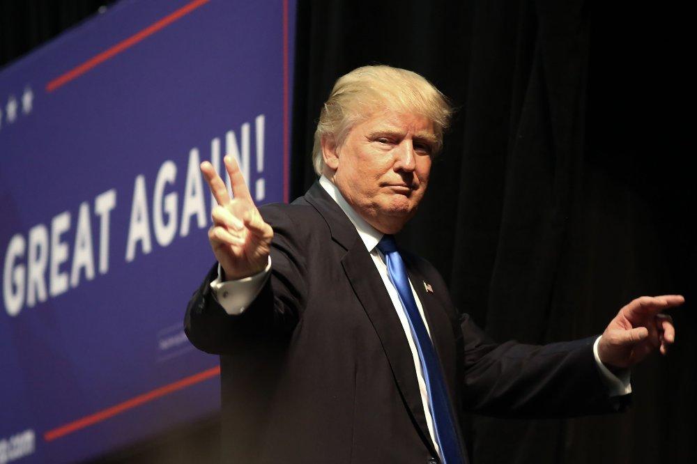 DONALD TRUMP appellerer til nazistene i USA.