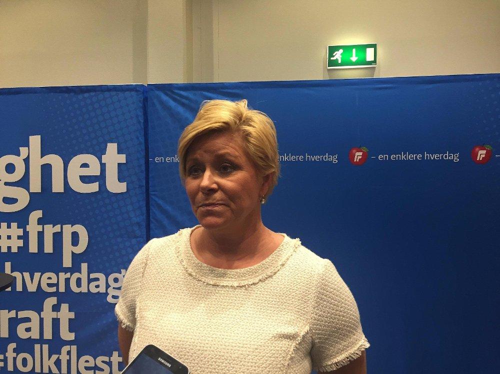 Partileder Siv Jensen var blant Frp-erne som ikke ønsket forbudet, og understreket overfor NTB i helga at Frp fortsatt er en «varm støttespiller for Israel».
