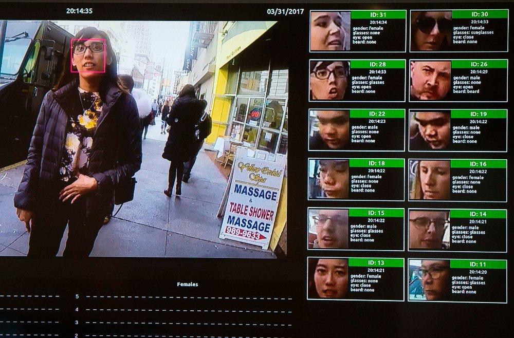 Ansiktsgjenkjenning, som vist her under en teknologikonferanse i Washsington i fjor, er noe av det kunstig intelligens og maskinlæring brukes til. Fredag var kunstig intelligens temaet på en konferanse i Oslo i regi av Dataforeningen.