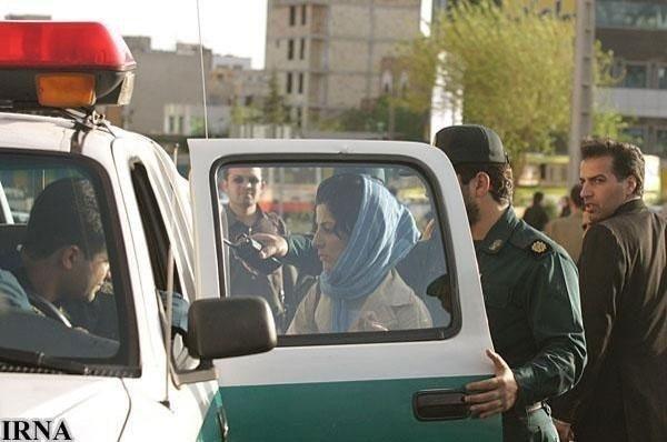Iransk kvinne arrestert for ikke å være korrekt antrukket.