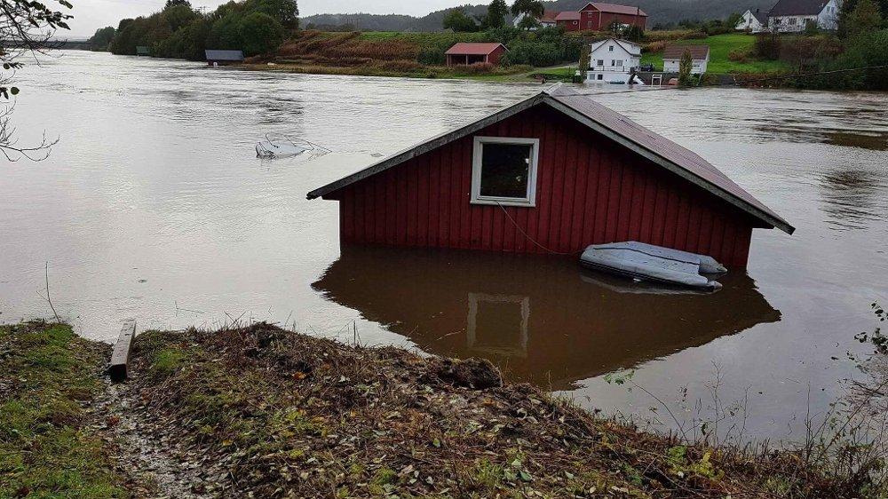 Towarzystwo ubezpieczeniowe Gjensidige zarejestrowało w miniony weekend około 80 szkód, wynikłych na skutek ekstremalnych warunków pogodowych.