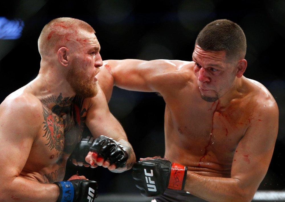 TILBAKE: Nate Diaz (t.h.), her i kamp mot Conor McGregor, møter Dustin Poirier i sin neste kamp.
